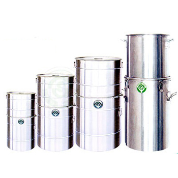 Stainless steel raw material tank