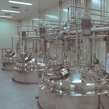 Sterile agitating tank with CIP/SIP System