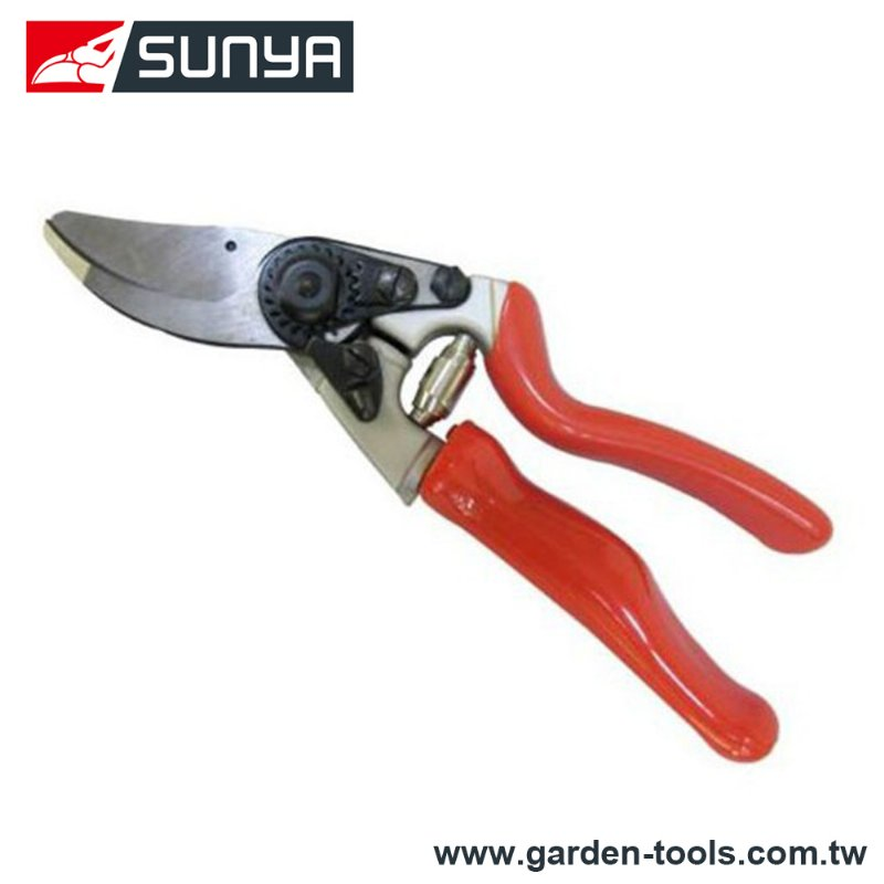 32806B,Bypass Hand Pruner with rotating grip