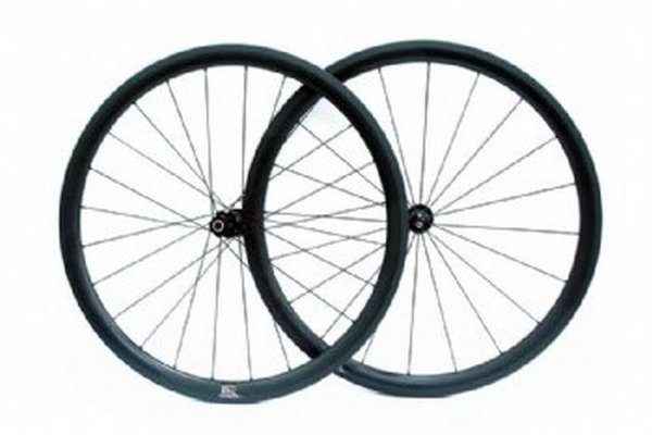 Full carbon  wheel set 38 mm profile w/ DT Swiss Hub & Sapim spoke